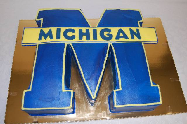 University of Michigan Logo - Grooms Cake