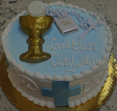 First Communion Design - with fondant cross on front