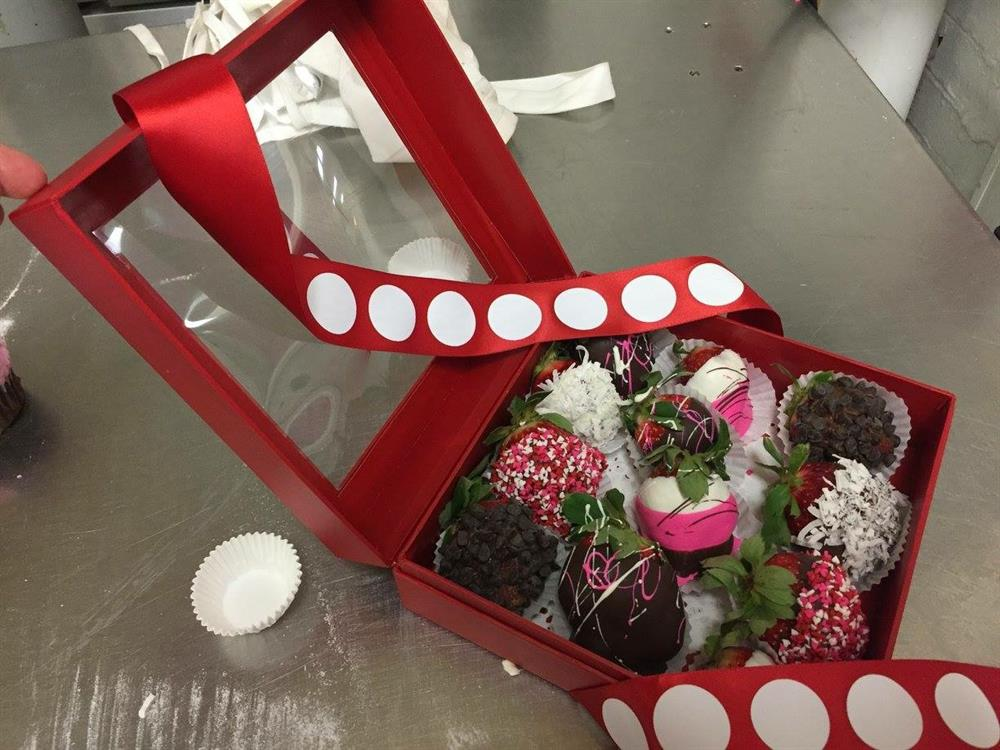 Chocolate Covered Strawberry Gift Box The Pennsylvania